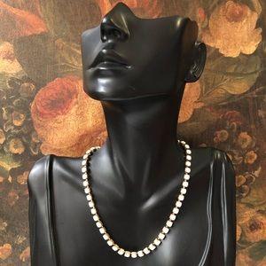 🔥 Vintage Milk Glass Necklace